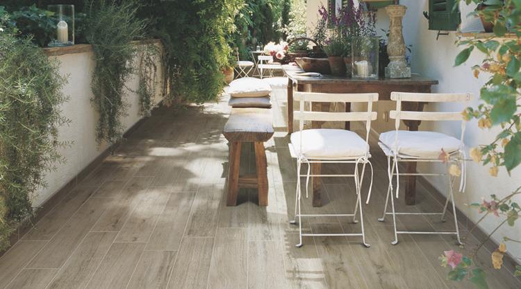 Carrelage terrasse aspect bois for Carrelage exterieur gres cerame imitation bois